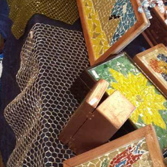 صناديق خشبية ملبسة موزييك وصناديق خشبية مرسومة