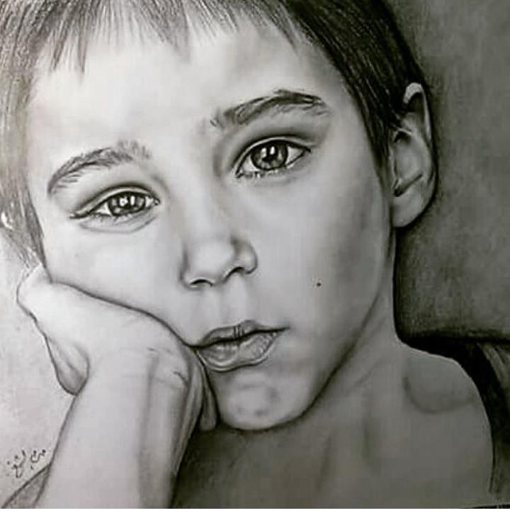 أعين حزينه