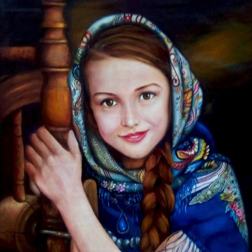 فتاة مبتسمة