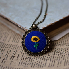 Necklace (Embroidery)