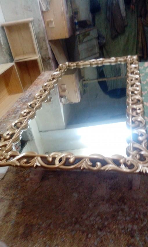 مرآة ببرواز خشب أرو