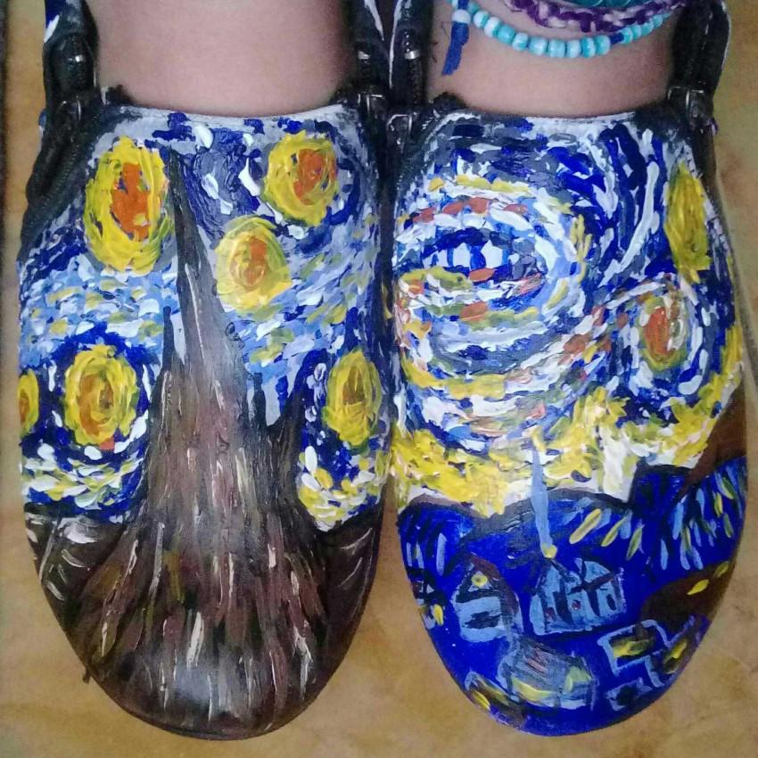 رسم علي الحذاء