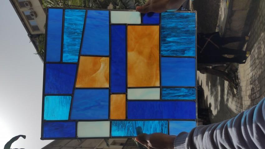 (الضوء الازرق (زجاج معشق