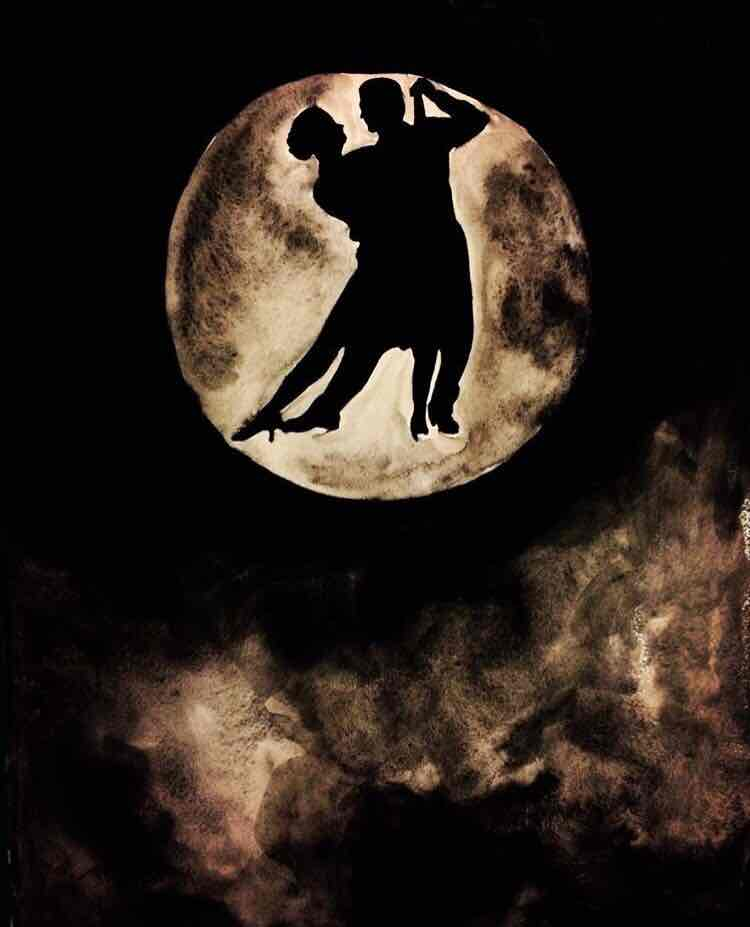 إلى القمر