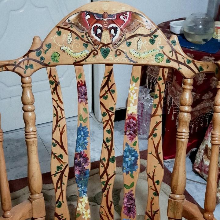 الكرسي. الهزاز المزهر