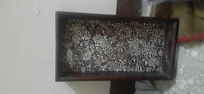 (صينية تقديم (حفر على الخشب