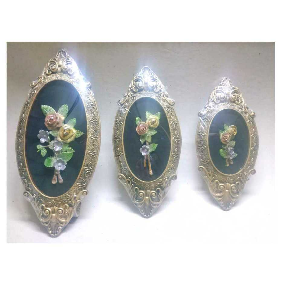 Flowers Antiques With Oval Tableau