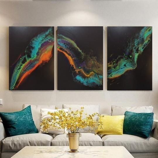ثلاث لوحات فن تجريدي