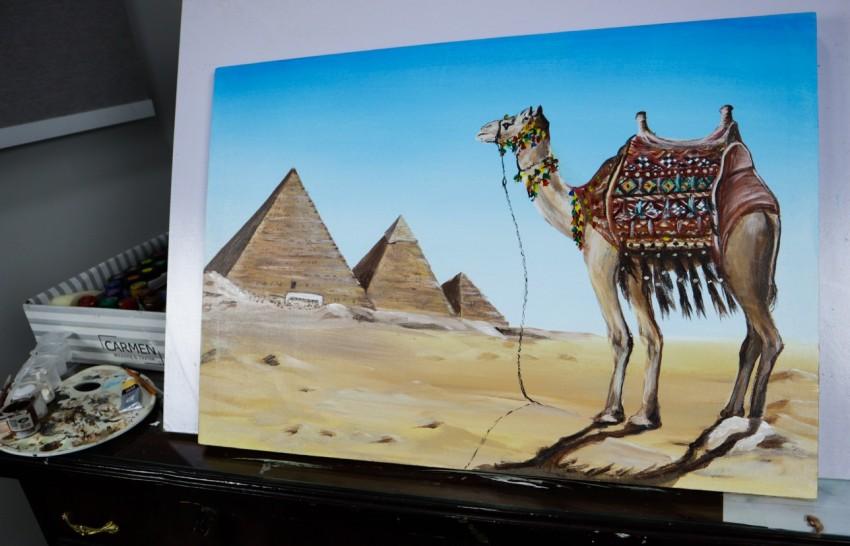 بجوار الاهرامات بمصر